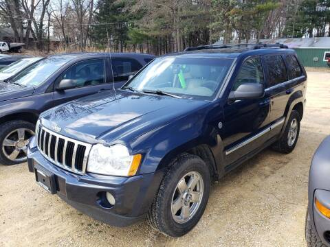 2005 Jeep Grand Cherokee for sale at Northwoods Auto & Truck Sales in Machesney Park IL