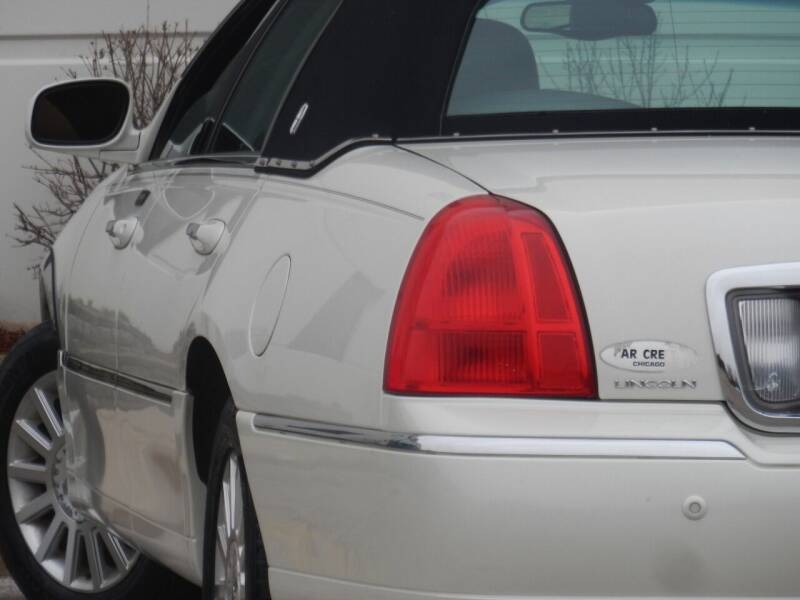 2004 Lincoln Town Car for sale at Moto Zone Inc in Melrose Park IL