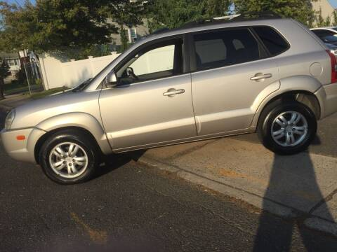 2006 Hyundai Tucson for sale at New Jersey Auto Wholesale Outlet in Union Beach NJ