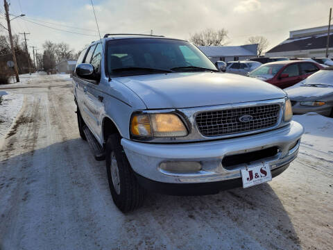 1998 Ford Expedition for sale at J & S Auto Sales in Thompson ND
