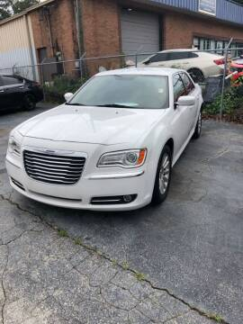 2013 Chrysler 300 for sale at LAKE CITY AUTO SALES - Jonesboro in Morrow GA