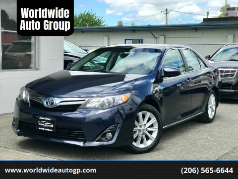 2014 Toyota Camry Hybrid for sale at Worldwide Auto Group in Auburn WA