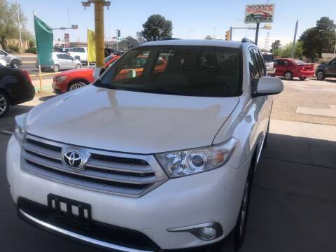 2012 Toyota Highlander for sale at Fiesta Motors Inc in Las Cruces NM