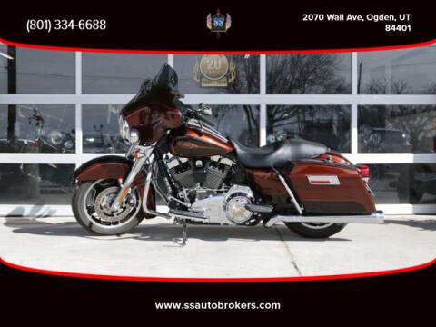 2009 Harley-Davidson FLHX Street Glide for sale at S S Auto Brokers in Ogden UT