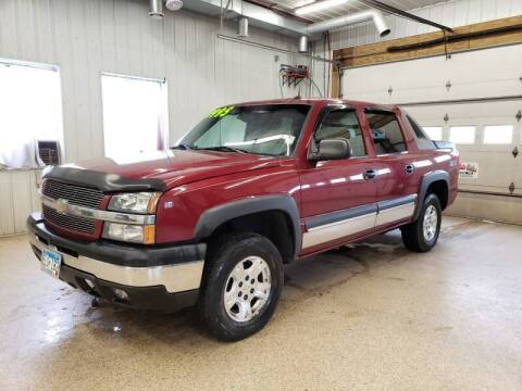 2004 Chevrolet Avalanche for sale at Sand's Auto Sales in Cambridge MN