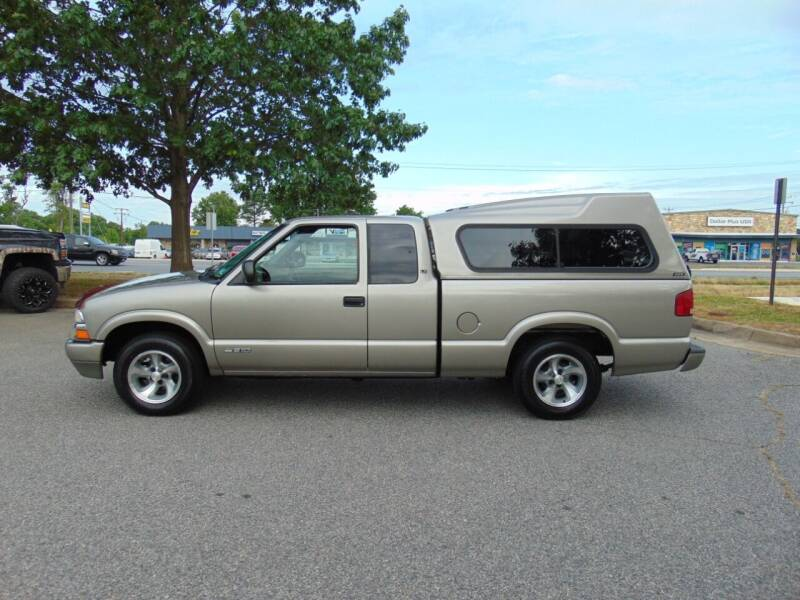 2000 Chevrolet S-10 for sale at CR Garland Auto Sales in Fredericksburg VA