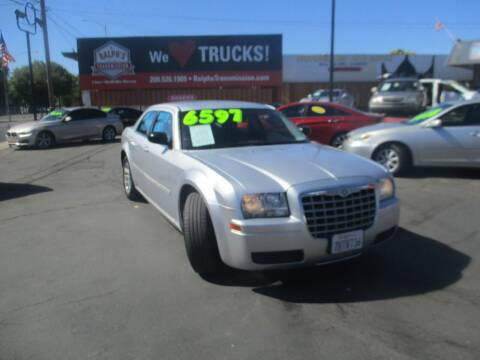 2006 Chrysler 300 for sale at Quick Auto Sales in Modesto CA