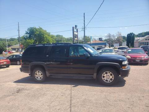2003 Chevrolet Suburban for sale at RIVERSIDE AUTO SALES in Sioux City IA