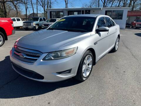 2011 Ford Taurus for sale at Diana Rico LLC in Dalton GA