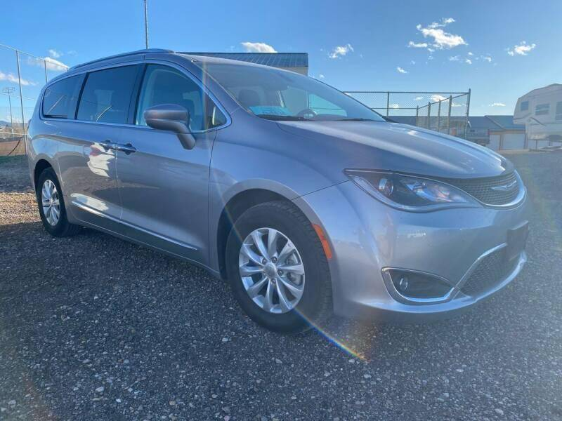 2019 Chrysler Pacifica for sale at Platinum Car Brokers in Spearfish SD