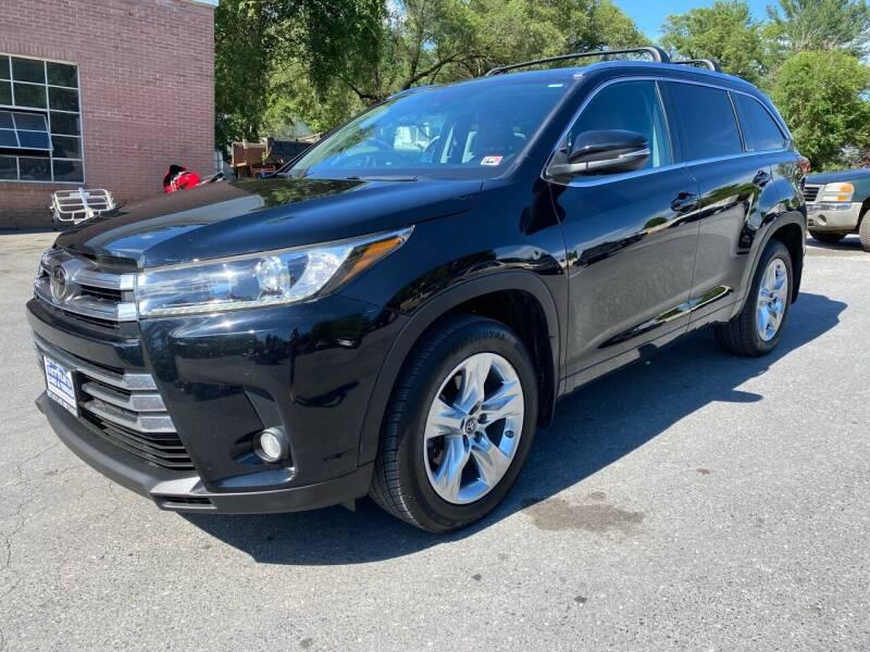 2017 Toyota Highlander for sale at SETTLE'S CARS & TRUCKS in Flint Hill VA
