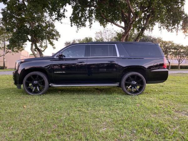 2015 GMC Yukon XL BLACK ON BLACK LOOKS AMAZING - Fort Lauderdale FL