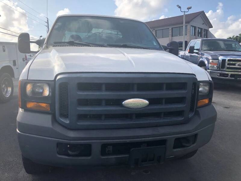2006 Ford F-350 Super Duty for sale at TRUCKS UNLIMITED WHOLESALERS in Medley FL
