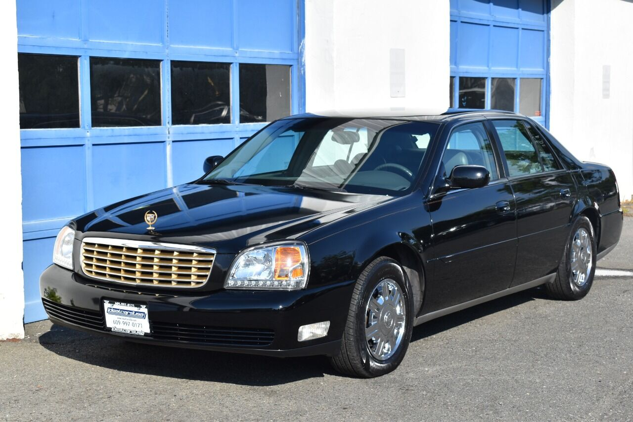 2004 Cadillac DeVille Base 4dr Sedan