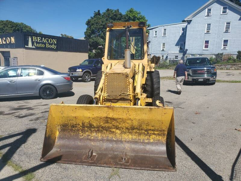 1981 Ford 555  - Worcester MA