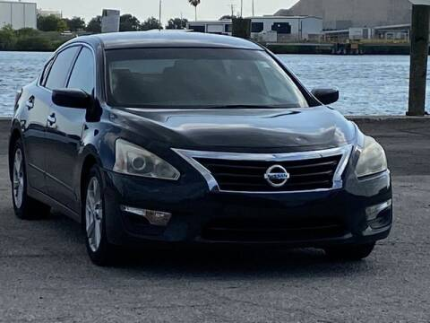 2014 Nissan Altima for sale at Pioneers Auto Broker in Tampa FL