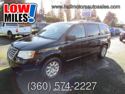 2009 Chrysler Town and Country for sale at Hall Motors LLC in Vancouver WA