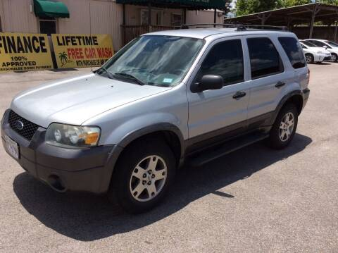 2005 Ford Escape for sale at OASIS PARK & SELL in Spring TX