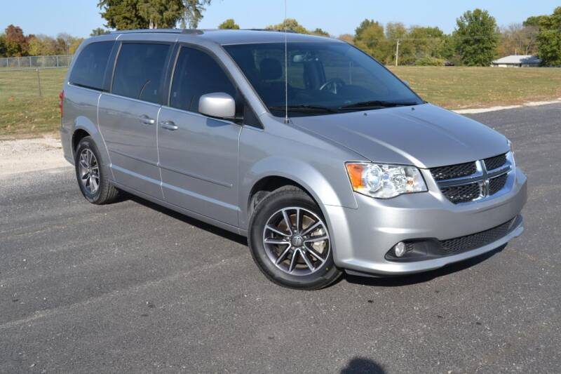 2017 Dodge Grand Caravan for sale at GLADSTONE AUTO SALES    GUARANTEED CREDIT APPROVAL in Gladstone MO