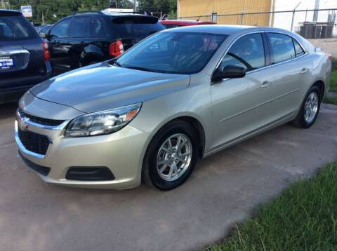 2014 Chevrolet Malibu for sale at AMIGO USED CARS in Houston TX