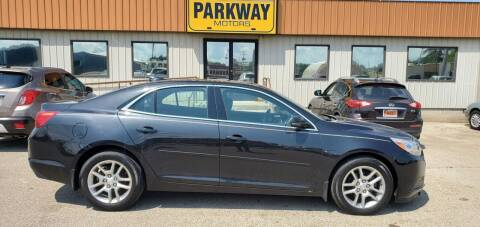 2015 Chevrolet Malibu for sale at Parkway Motors in Springfield IL