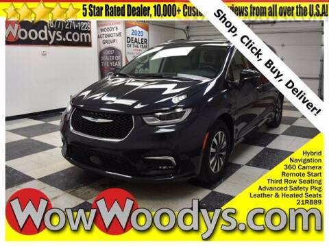 2021 Chrysler Pacifica Hybrid for sale at WOODY'S AUTOMOTIVE GROUP in Chillicothe MO