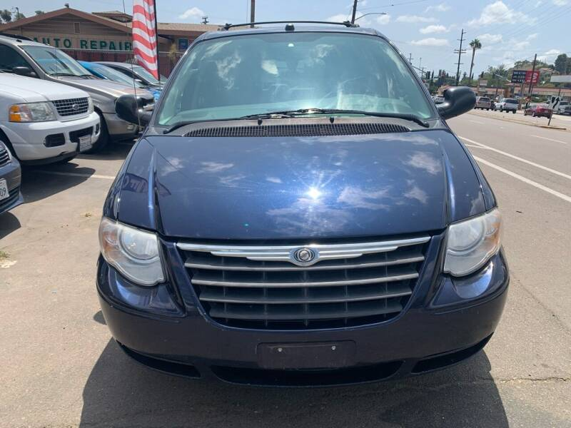 2005 Chrysler Town and Country for sale at Aria Auto Sales in El Cajon CA