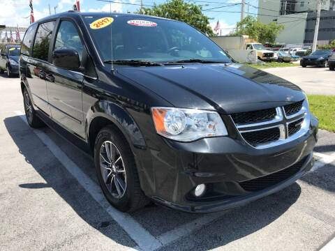 2017 Dodge Grand Caravan for sale at MIAMI AUTO LIQUIDATORS in Miami FL