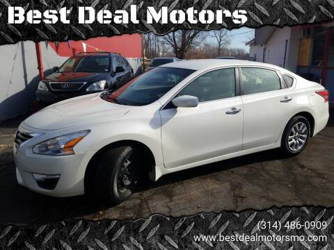 2014 Nissan Altima for sale at Best Deal Motors in Saint Charles MO