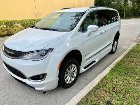 2017 Chrysler Pacifica for sale at DENMARK AUTO BROKERS in Riviera Beach FL