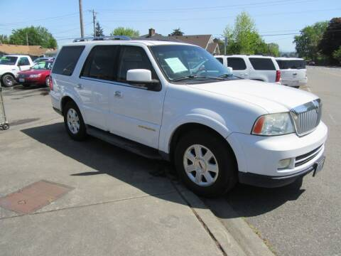 2005 Lincoln Navigator for sale at Car Link Auto Sales LLC in Marysville WA