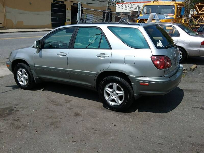 1999 Lexus RX 300 for sale at Drive Deleon in Yonkers NY