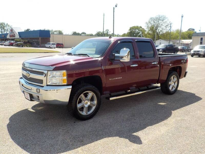 2013 Chevrolet Silverado 1500 for sale at Young's Motor Company Inc. in Benson NC