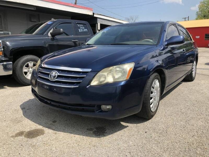 2005 Toyota Avalon for sale at Pary's Auto Sales in Garland TX