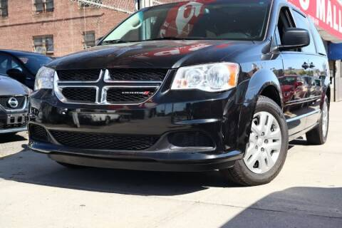 2017 Dodge Grand Caravan for sale at HILLSIDE AUTO MALL INC in Jamaica NY