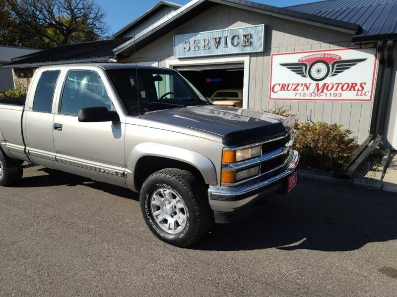 1998 Chevrolet C/K 1500 Series for sale at CRUZ'N MOTORS in Spirit Lake IA