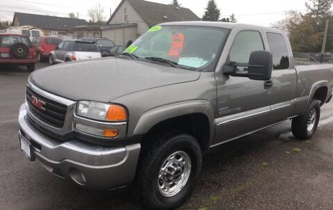 2006 GMC Sierra 2500HD for sale at Freeborn Motors in Lafayette, OR