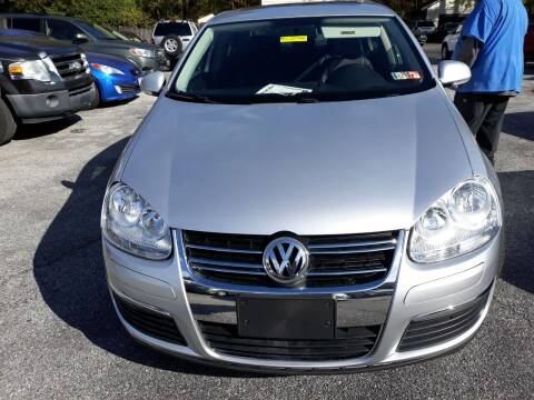 2009 Volkswagen Jetta for sale at GALANTE AUTO SALES LLC in Aston PA