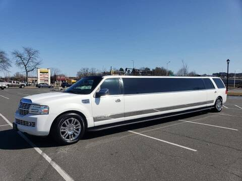 2007 Lincoln Navigator for sale at Massirio Enterprises in Middletown CT