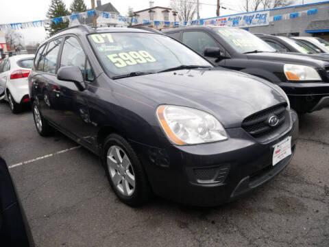 2007 Kia Rondo for sale at M & R Auto Sales INC. in North Plainfield NJ