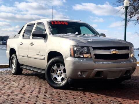 2007 Chevrolet Avalanche for sale at PUTNAM AUTO SALES INC in Marietta OH