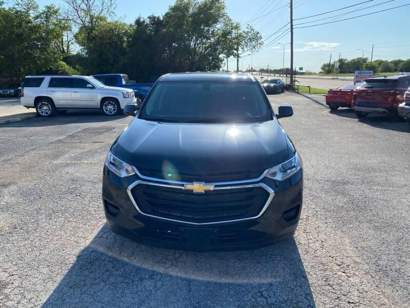 2020 Chevrolet Traverse for sale at LLANOS AUTO SALES LLC in Dallas TX