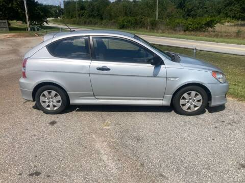2009 Hyundai Accent for sale at UpCountry Motors in Taylors SC