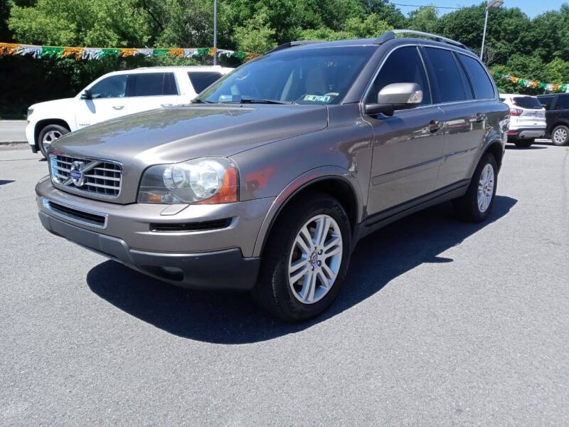 2010 Volvo XC90 for sale at Mulligan's Auto Exchange LLC in Paxinos PA