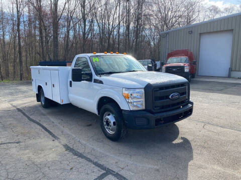 2014 Ford F-350 Super Duty for sale at Auto Towne in Abington MA