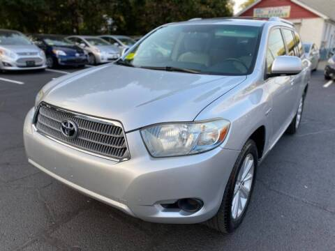 2009 Toyota Highlander Hybrid for sale at 1A Auto Sales in Walpole MA
