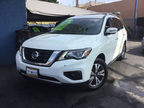 2017 Nissan Pathfinder for sale at LA PLAYITA AUTO SALES INC in South Gate CA