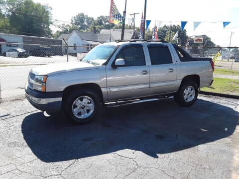 2005 Chevrolet Avalanche for sale at A-1 Auto Sales in Anderson SC