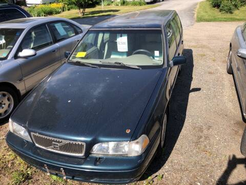 1998 Volvo V70 for sale at East Acres RV 4279 in Mendon MA