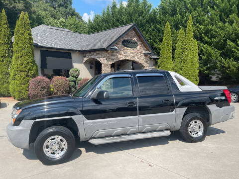 2002 Chevrolet Avalanche for sale at Hoyle Auto Sales in Taylorsville NC